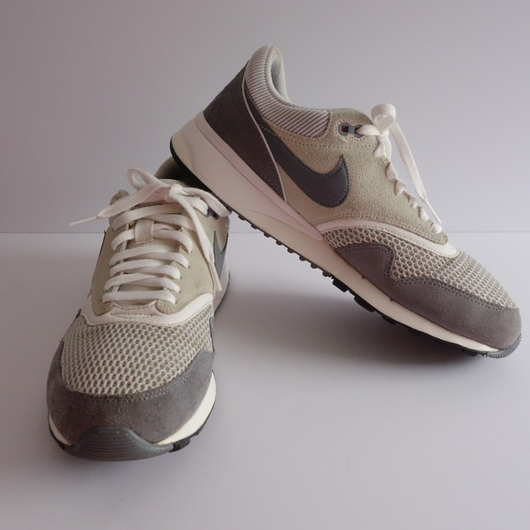 be25e736aa7 Nike Air Odyssey  652989-012 Running Sneakers. M 5bc3ad2fa5d7c67351cd56ac